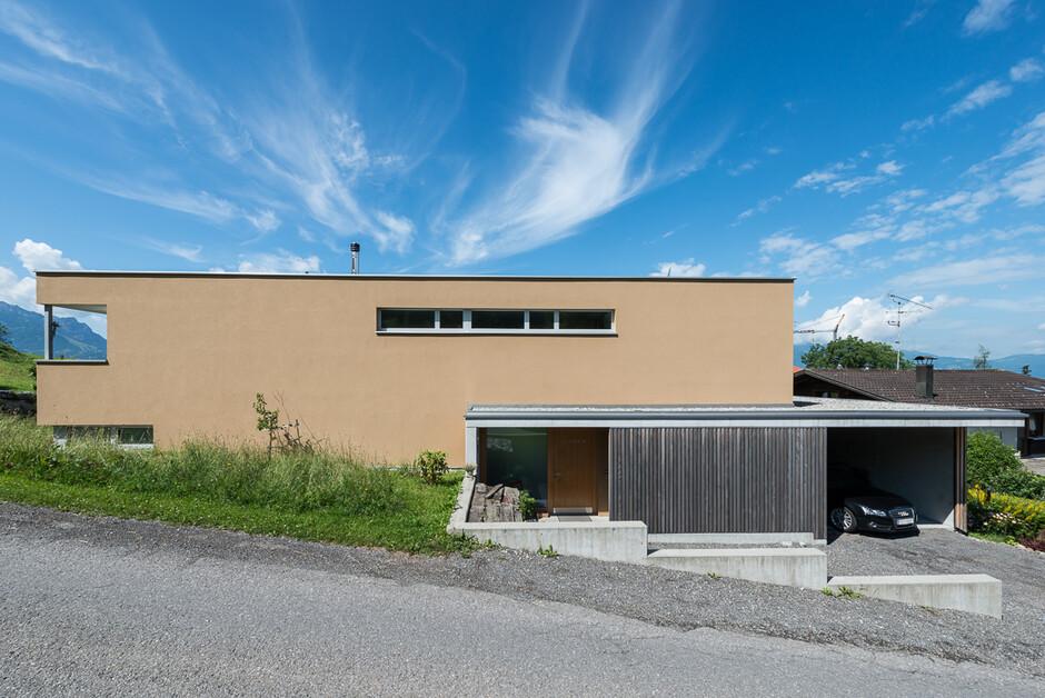 Einfamilienhaus batschuns modern massivbau moderne for Einfamilienhaus architektur modern