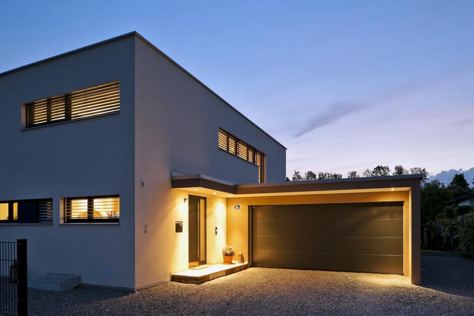 Einfamilienhaus flachdach berdachte terrasse for Einfamilienhaus flachdach