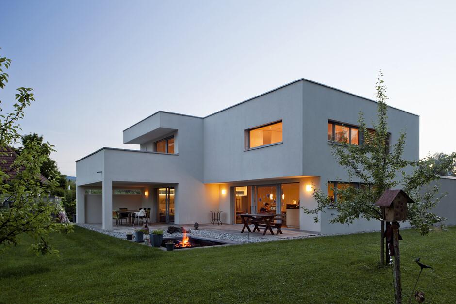 massivbau kunststoff alufenster trapez form flachdach. Black Bedroom Furniture Sets. Home Design Ideas