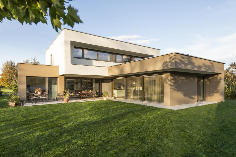 #Einfamilienhaus #Flachdach #Überdachte Terrasse #