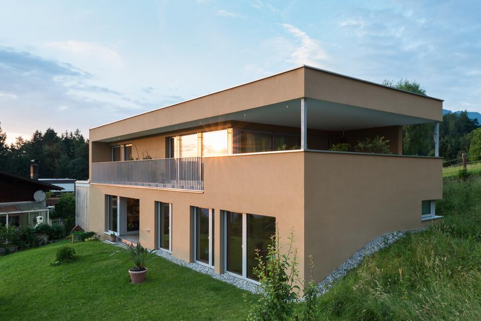 Einfamilienhaus batschuns modern massivbau moderne for Einfamilienhaus moderne architektur