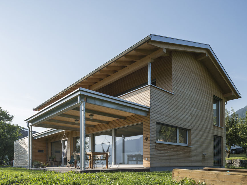 Einfamilienhaus# Röns# modern Holzbau#moderne Architektur# Flachdach ...