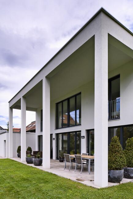 Einfamilienhaus dornbirn s ulen modern flachdach doppelgarage berdachte terrasse moderne - Architektur einfamilienhaus modern ...