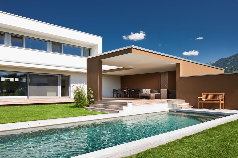 Massivbau Holz Alufenstermoderne L Form Moderne Architektur Pool Falchdach Innenhof Luxushaus Mit