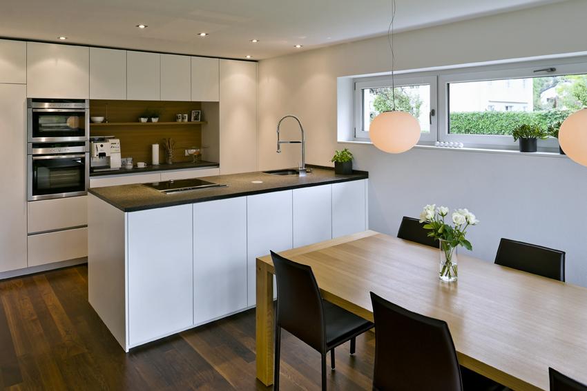 einfamilienhaus dornbirn s ulen modern flachdach doppelgarage berdachte terrasse moderne. Black Bedroom Furniture Sets. Home Design Ideas